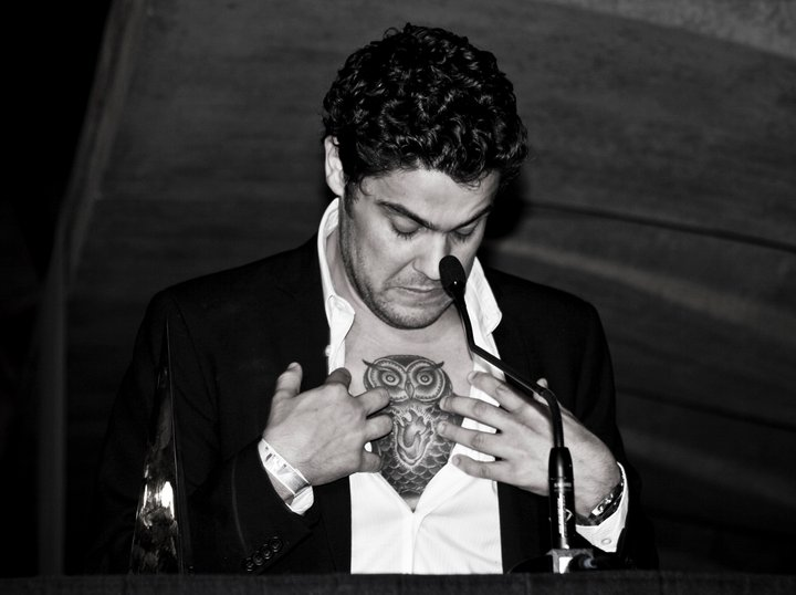 Dan Sultan and his owl.